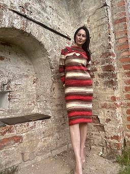 Работа с названием С днем вязания 2021. Платье