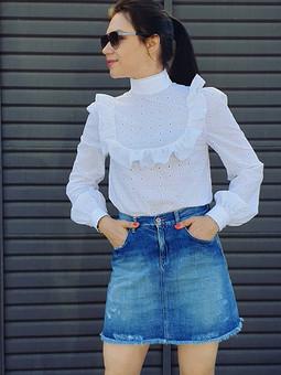 Работа с названием И снова блузка в стиле неоромантики