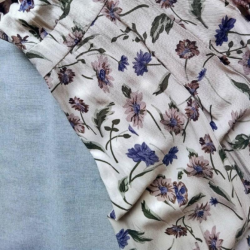 Платье сцветочным принтом от Анна Швец