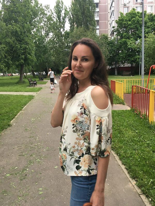 Блузка соткрытыми плечами от DianaS