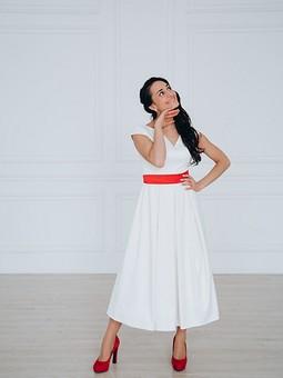 Работа с названием Платье для невесты в стиле минимализм