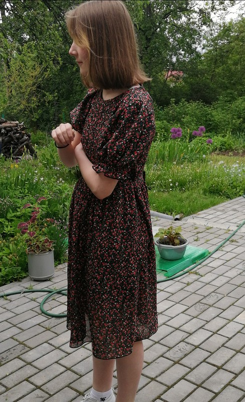 Платье срукавами фонариками от Lyu-lu