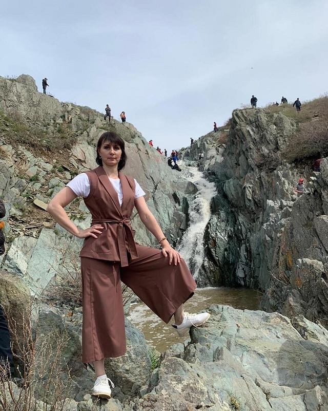 Главное, чтобы костюмчик «сидел»: жилет июбка-брюка от Alena_Eschenko