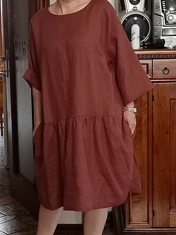 Работа с названием  Льняное платье свободного кроя