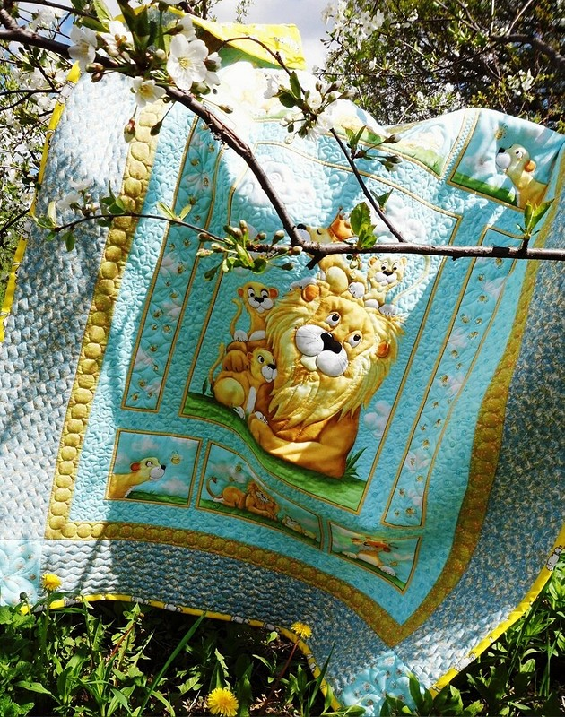 Одеяло детское стеганое «Семейка» от Тётушка Осока