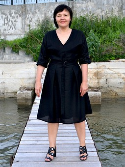 Работа с названием Черное льняное платье