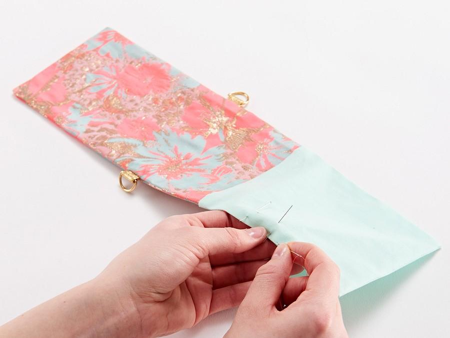 Время цветов: сумочка-чехол длясмартфона