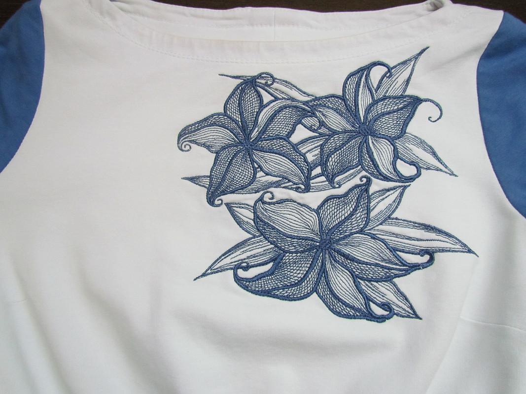 Платье бело-синее свышивкой от Sunflower-83
