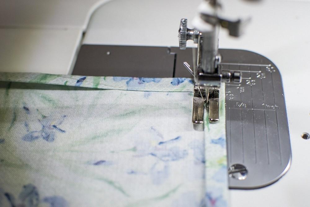 Как сшить столовые салфетки: быстрый иочень быстрый методы