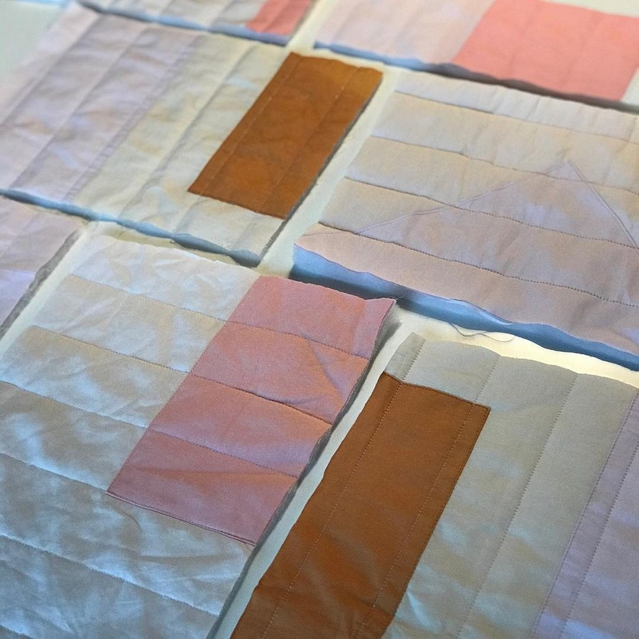 Яркие стёганые коврики-одеяла сгеометрическими узорами: рукодельный instagram недели
