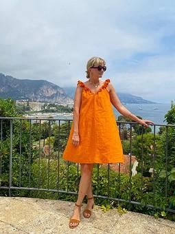 Работа с названием Льняное платье-сарафан с воланами