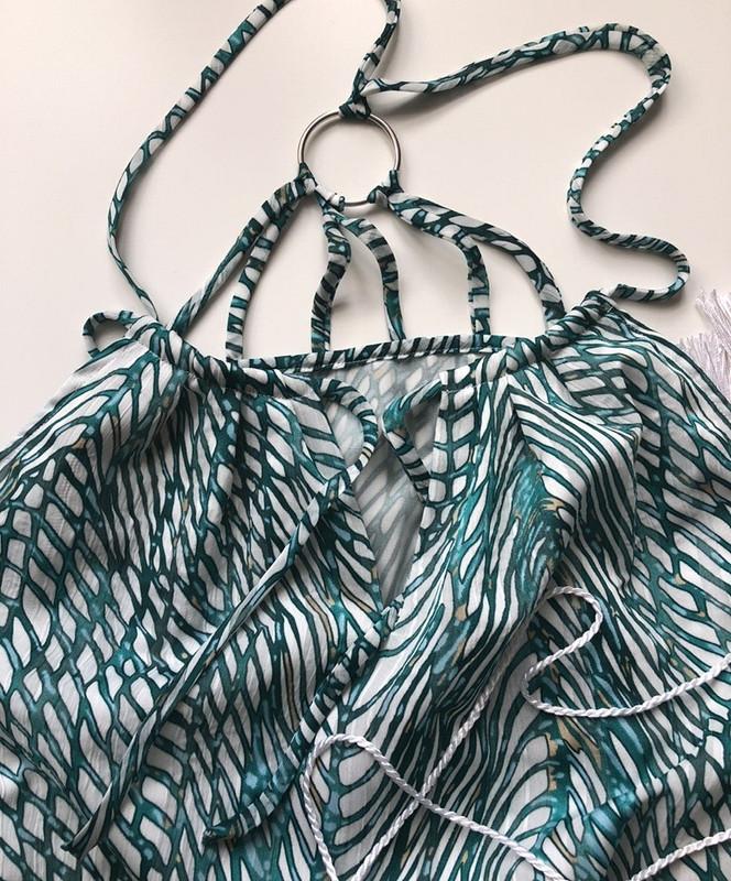 Платье изкрепдешина соткрытой спиной от bellifontaine