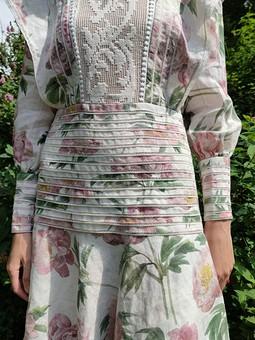 Работа с названием Платье изо льна