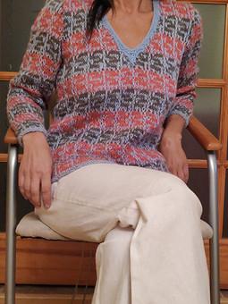 Работа с названием Рябенький свитерок