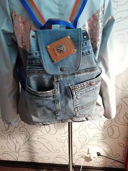 Работа с названием Рюкзак из джинсов