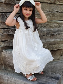 Работа с названием Платье в винтажном стиле