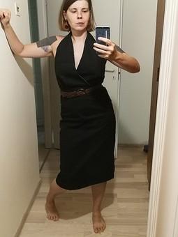 Работа с названием Черное платье halter neck