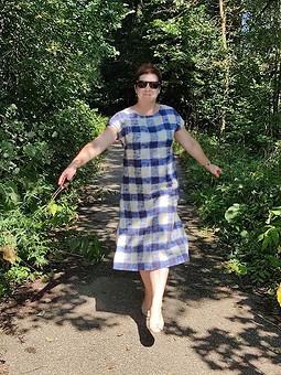Работа с названием Легко и удобно. Платье изо льна