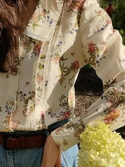 Работа с названием Симпатичные блузы