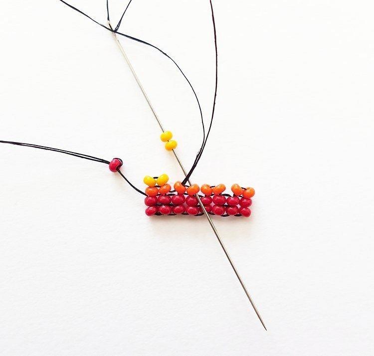 Техника плетения бисером ндебеле или ёлочка: мастер-класс