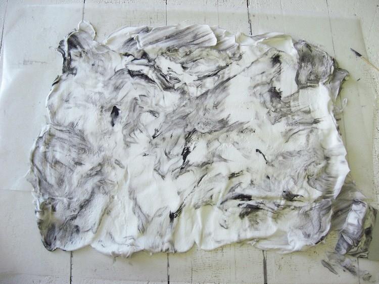Как покрасить ткань вмраморной технике: пошаговое руководство