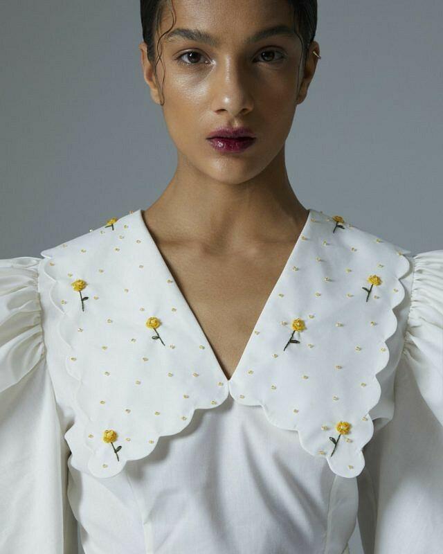 Блузка сбелым воротником от Мелания