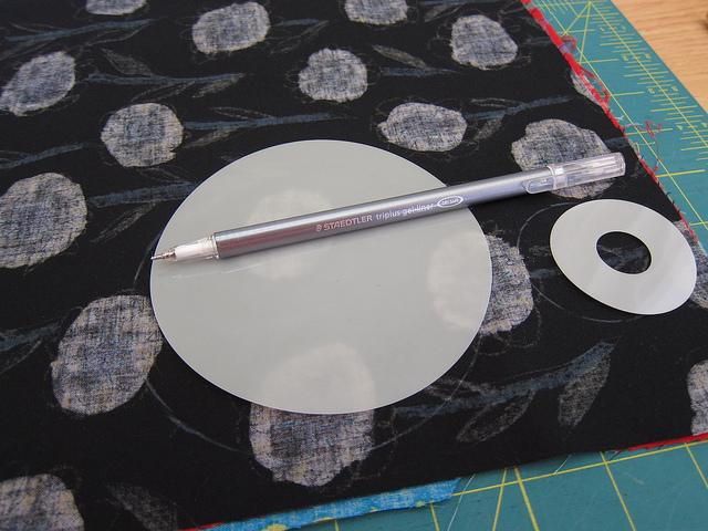 Маленькие хитрости: как сделать идеально ровный круг из ткани