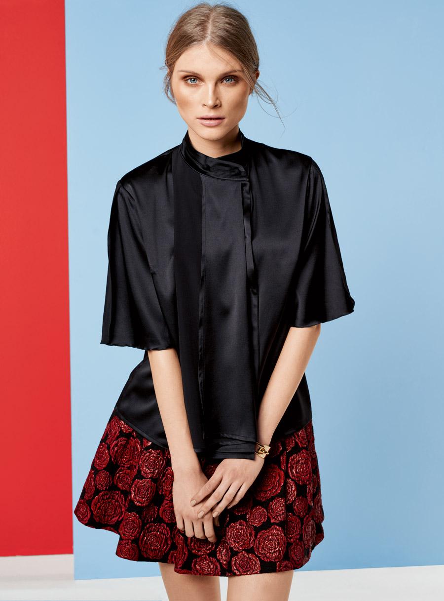Блузки с расклешенными рукавами