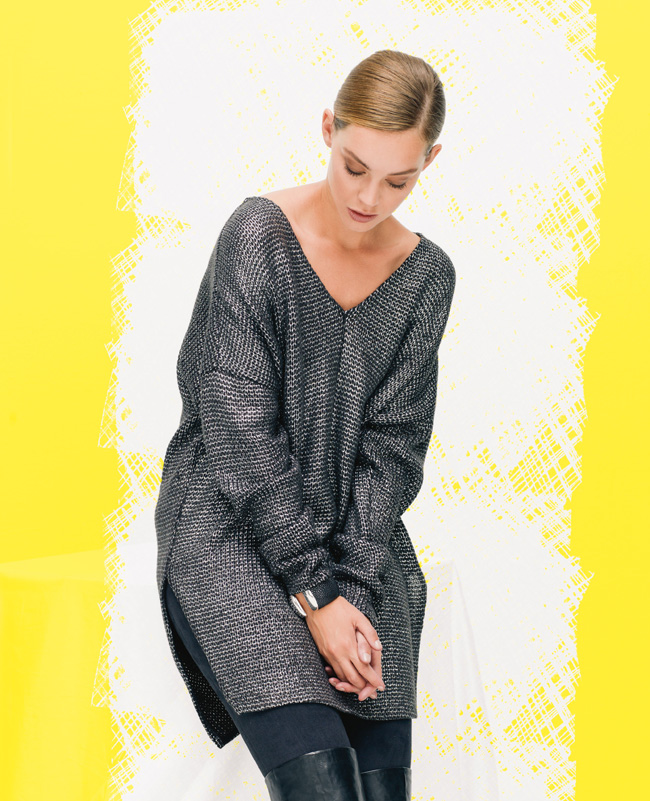Пуловер с v вырезом