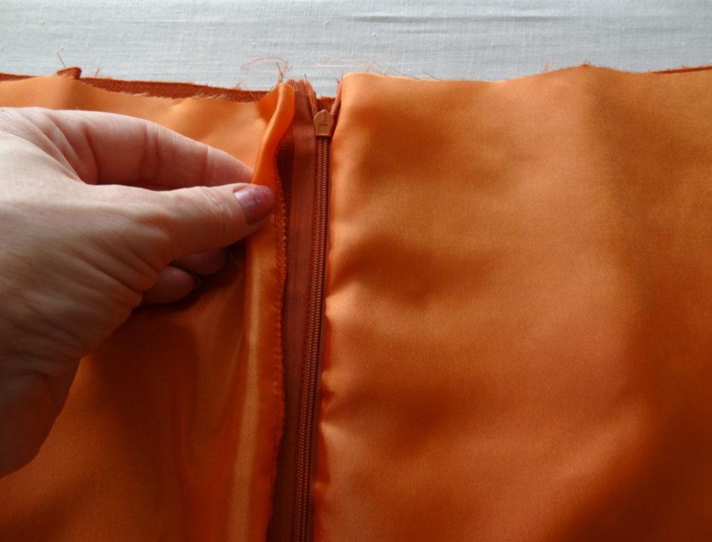 Обработка застежки юбки подкладкой