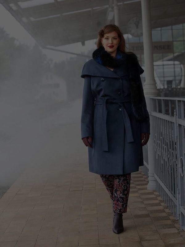 Шерстяное двубортное пальто - выкройка № 120 из журнала 11/2018 Burda – выкройки пальто на Burdastyle.ru