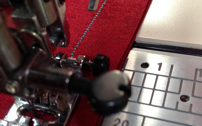 f68eaa992fac Как шить трикотаж на швейной машинке: 5 способов — Мастер-классы на ...