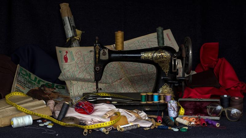Как выбрать первую швейную машинку