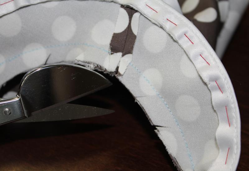 Обработка горловины обтачкой с кантом: мастер-класс