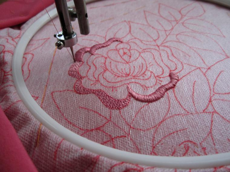 Как вышивать на швейной машинке