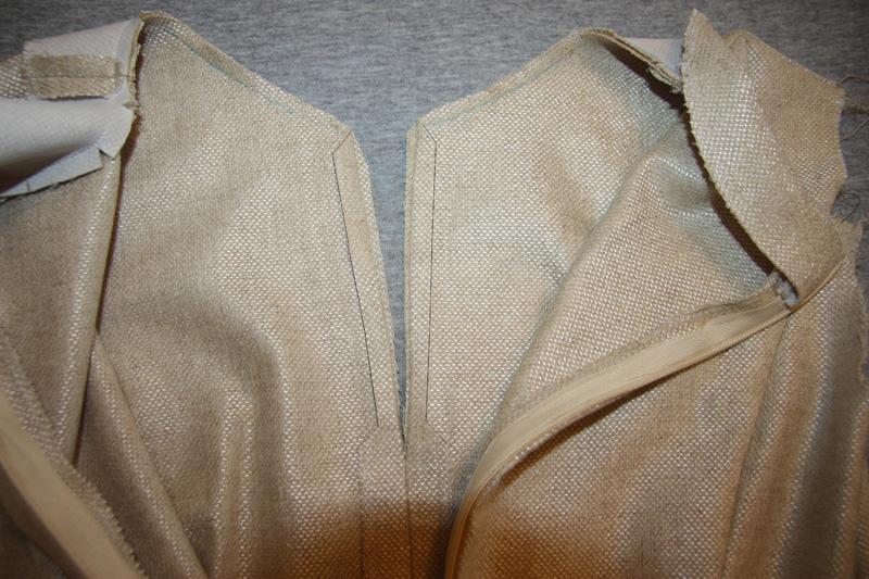 Обработка обтачкой горловины с разрезом в шве