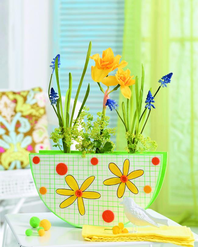 Как сделать вазу для первоцветов своими руками