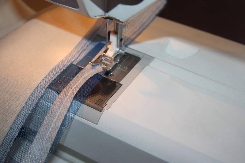 Как сделать пышным низ юбки спомощью регилина