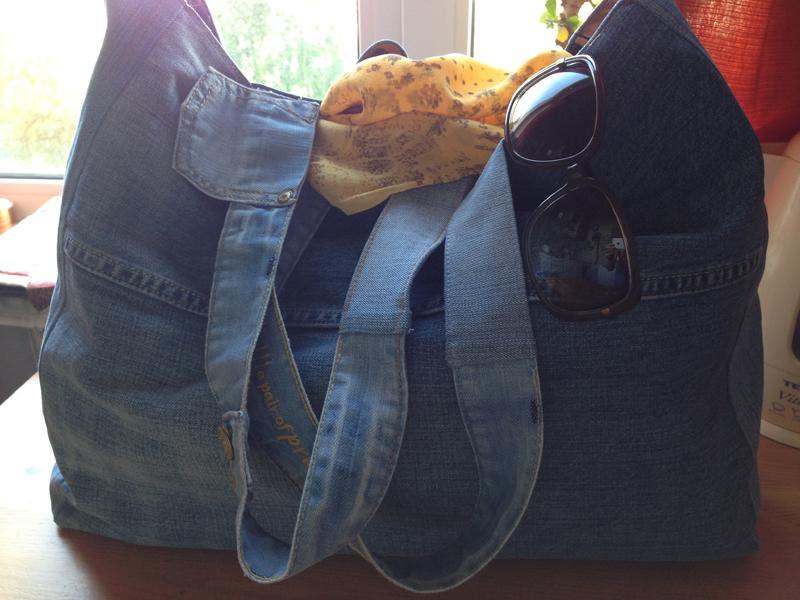 a714225a7b38 Большая пляжная сумка из старых джинсов своими руками — Мастер ...