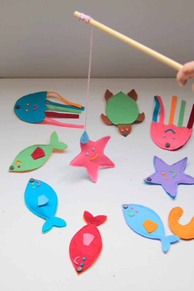 Рыбки из полосок своими руками