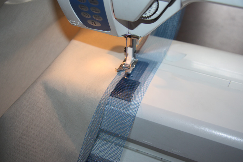 Как пришить ленту по низу юбки