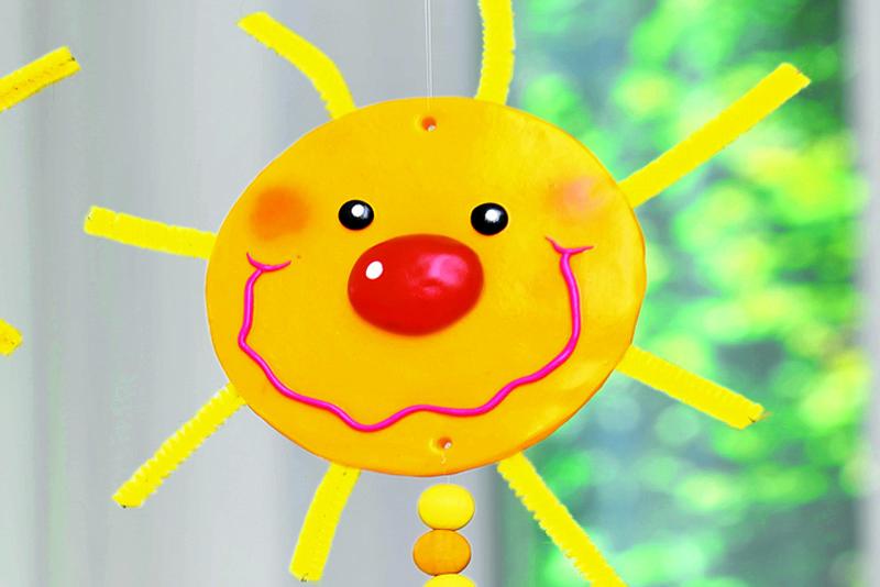 Солнечный дождик: декоративные подвески к Масленице